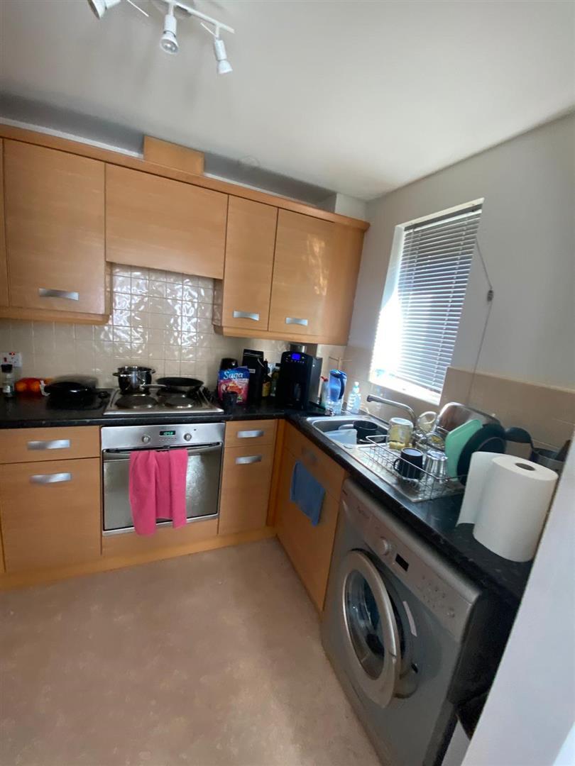 2 Bedroom Block Of Flats For Sale - 20.jpg